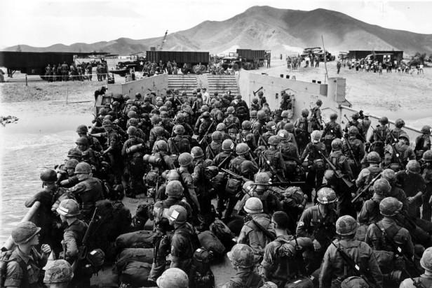 WWII U.S. MARINES QUI NHON