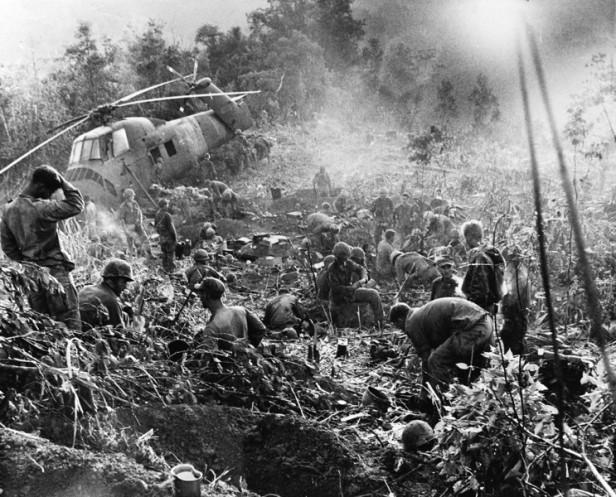 VIETNAM WAR U.S.MARINES
