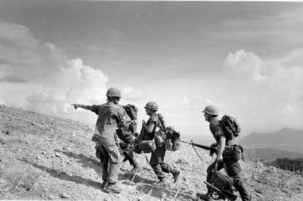 VIETNAM WAR U.S. MARINES