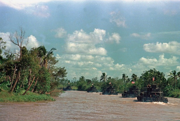 VIETNAM WAR U.S. RIVERINE FORCE
