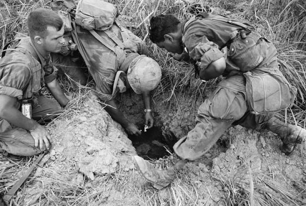 Vietnam South Vietcong Guerrillas Tunnels