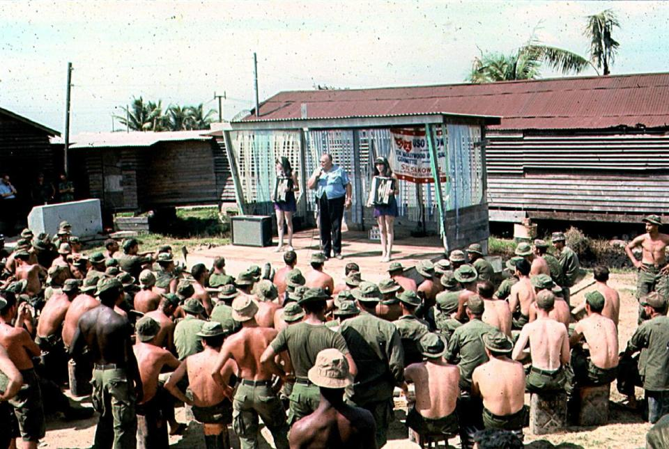 page1-1280px-VIETNAM_USO_SHOW_(United_Service_Organization)_Sig_Sakowitz_and_Jennie_and_Terrie_Frankel_perform_for_troops_in_Vietnam_1968.pdf