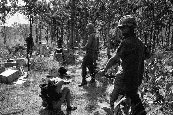 scènes de combats 15ladrang-slide-bbw9-articlelarge