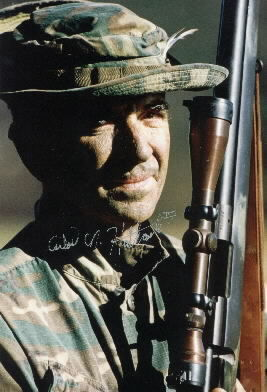 carlos-hathcock-marine-sniper-21129964