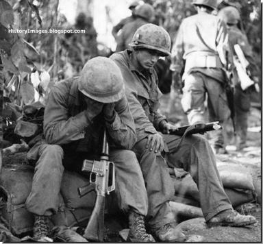 Tired-american-soldiers-dak-to-1967-vietnam