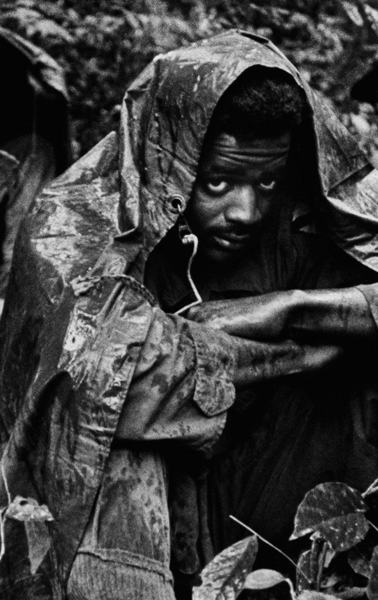 scènes de combats Vietnam-ken-burns-kennerly-16